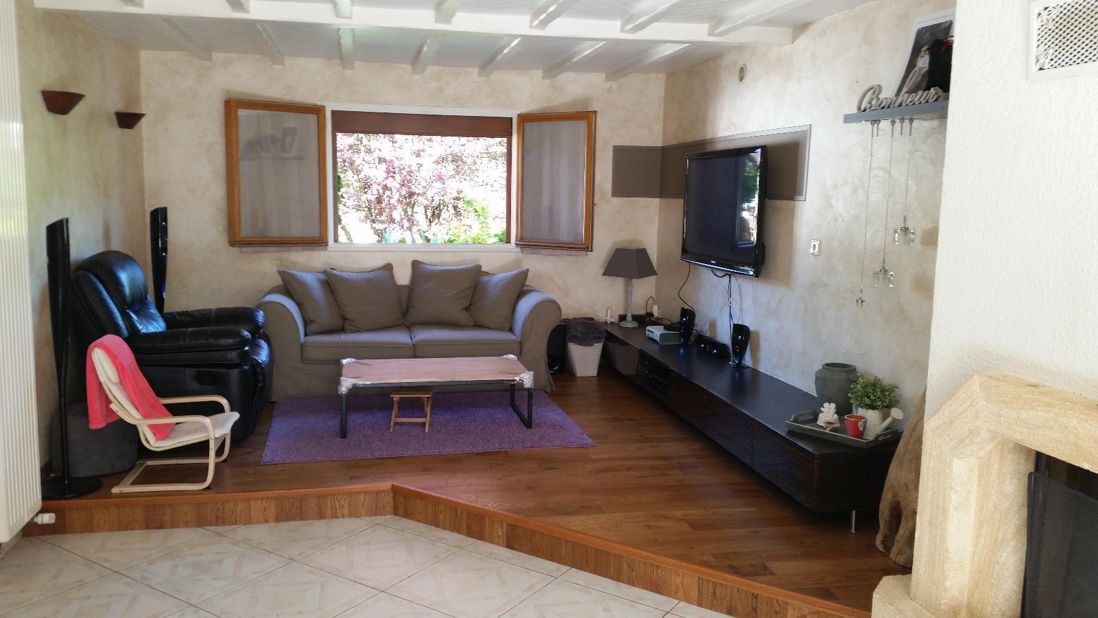 Vente belle maison de 160 m2 dans quartier calme proche for Code postal villecresnes
